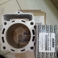 Цилиндр + поршень комплект KTM 350EXC-F 14-16 / Husqvarna FE350 14-16 OEM 77230138200