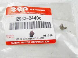 Сухарь клапана Suzuki RM-Z450 05-17/RMX450Z 10-17 OEM 12932-24400